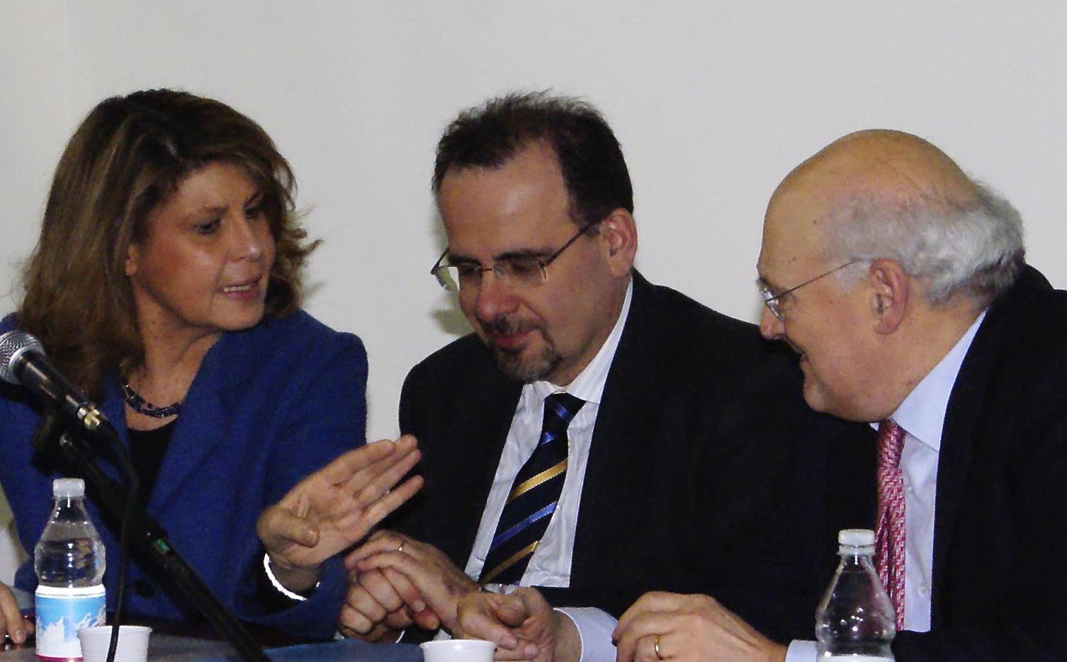 Luca Jahier insieme a Silvia Costa e Stefano Zamagni