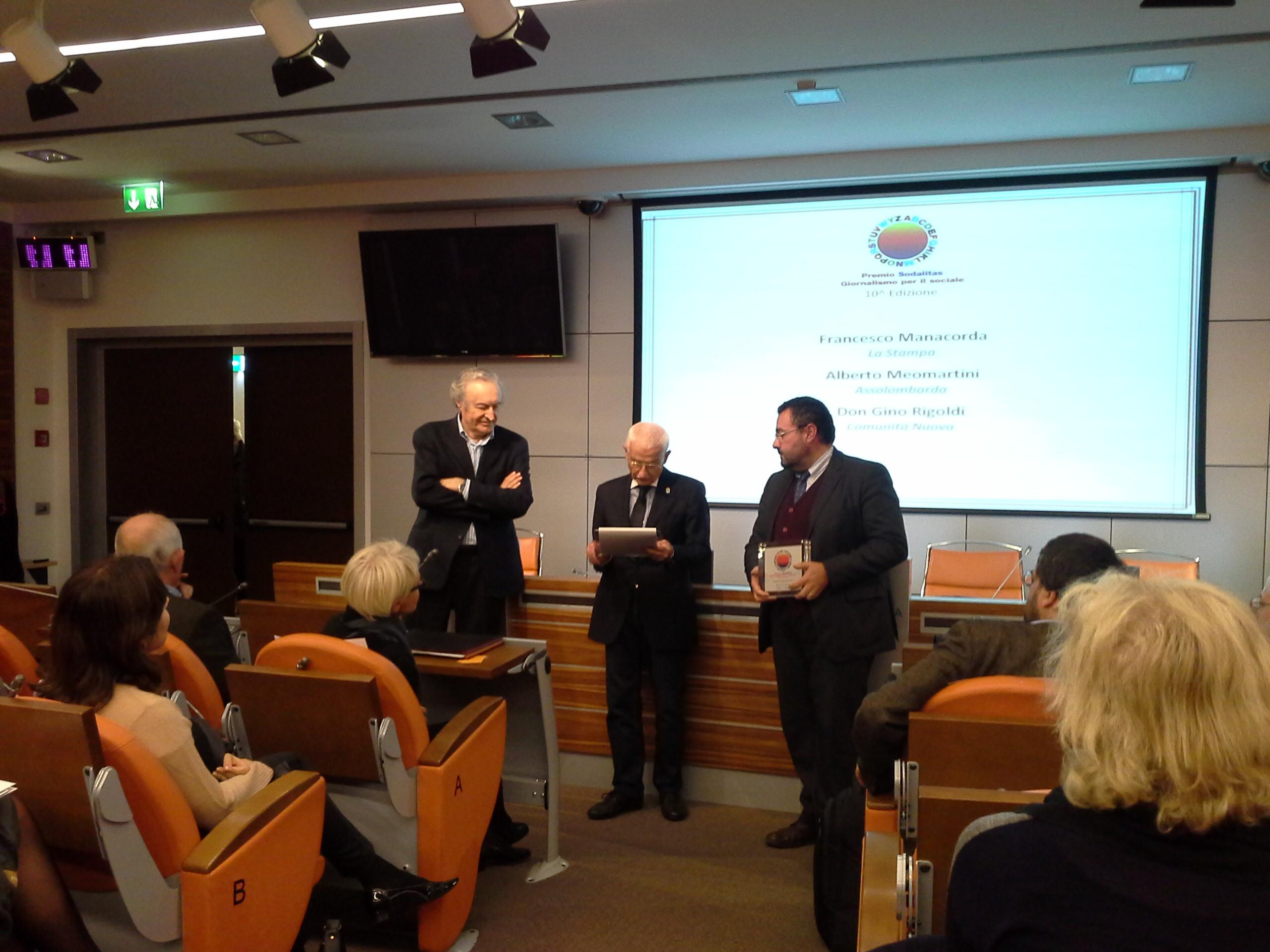 Il vice direttore della Stampa Manacorda ritira il premio per conto di Calabresi