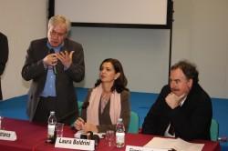 Edoardo Patriarca, il presidente della Camera Laura Boldrini e il vicedirettore di Corriere della Sera Giangiacomo Schiavi al Festival del volontariato di Lucca