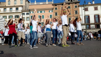flash_mob_dance