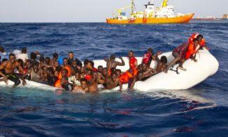 migranti-naufragio-salvataggio004-1000x600