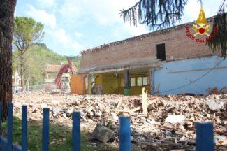 demolizione-scuola-pieve-torina-13-1