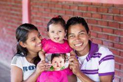 NICARAGUA_Valeska prima e dopo con mamma e papà