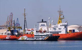 0617_1100_PHOTO_Aquarius-entering-Valencia-2