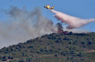 Pisa-vasto-incendio-nel-bosco-nei-pressi-di-Calci-1-641x420