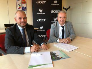 LA FIRMA _ Alessandro Bardesta – Direttore vendite ACER Italy e Attilio Rossato Presidente CSVnet Lombardia _