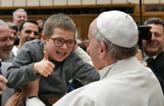 Papa-Francesco-all-Ail-con-voi-nessun-sofferente-si-sente-scarto_articleimage